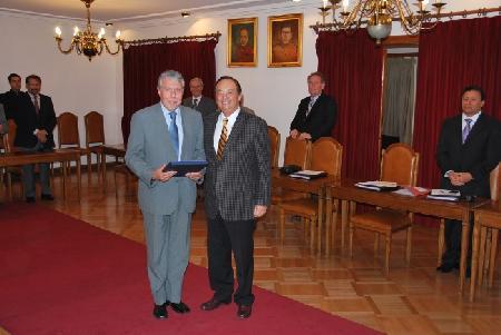 50 AÑOS DE SERVICIOS VOLUNTARIO GUILLERMO MUÑOZ FERNANDEZ
